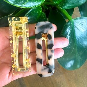 2 NEW large acrylic hair clips